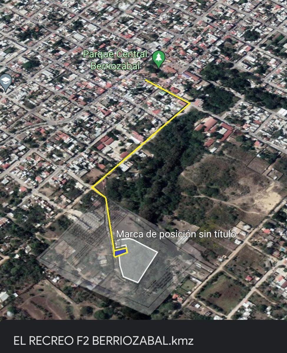 1 de 13: A 5 cuadras del parque central de la ciudad