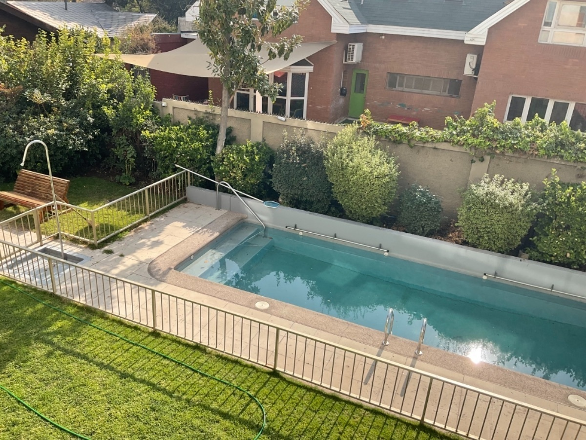 10 de 16: Vista hacia piscina