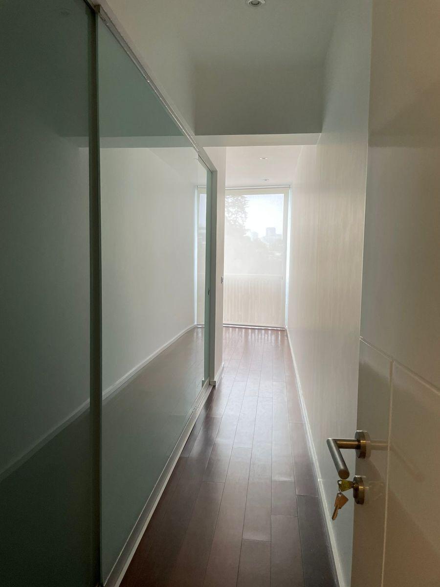12 de 29: Ingreso dormitorio principal.
