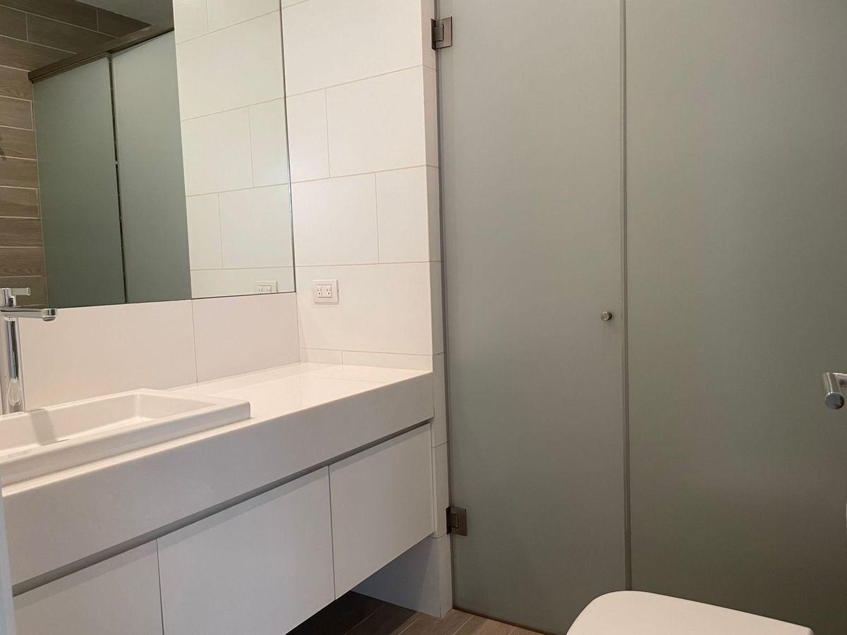 22 de 29: Baño dormitorio secundario 1.