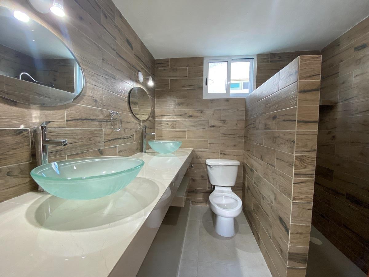 13 de 24: baño 3 planta alta