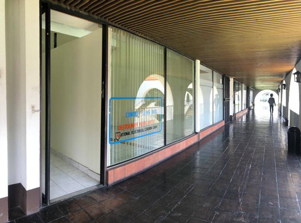 1 de 11: Vista de los pasillos