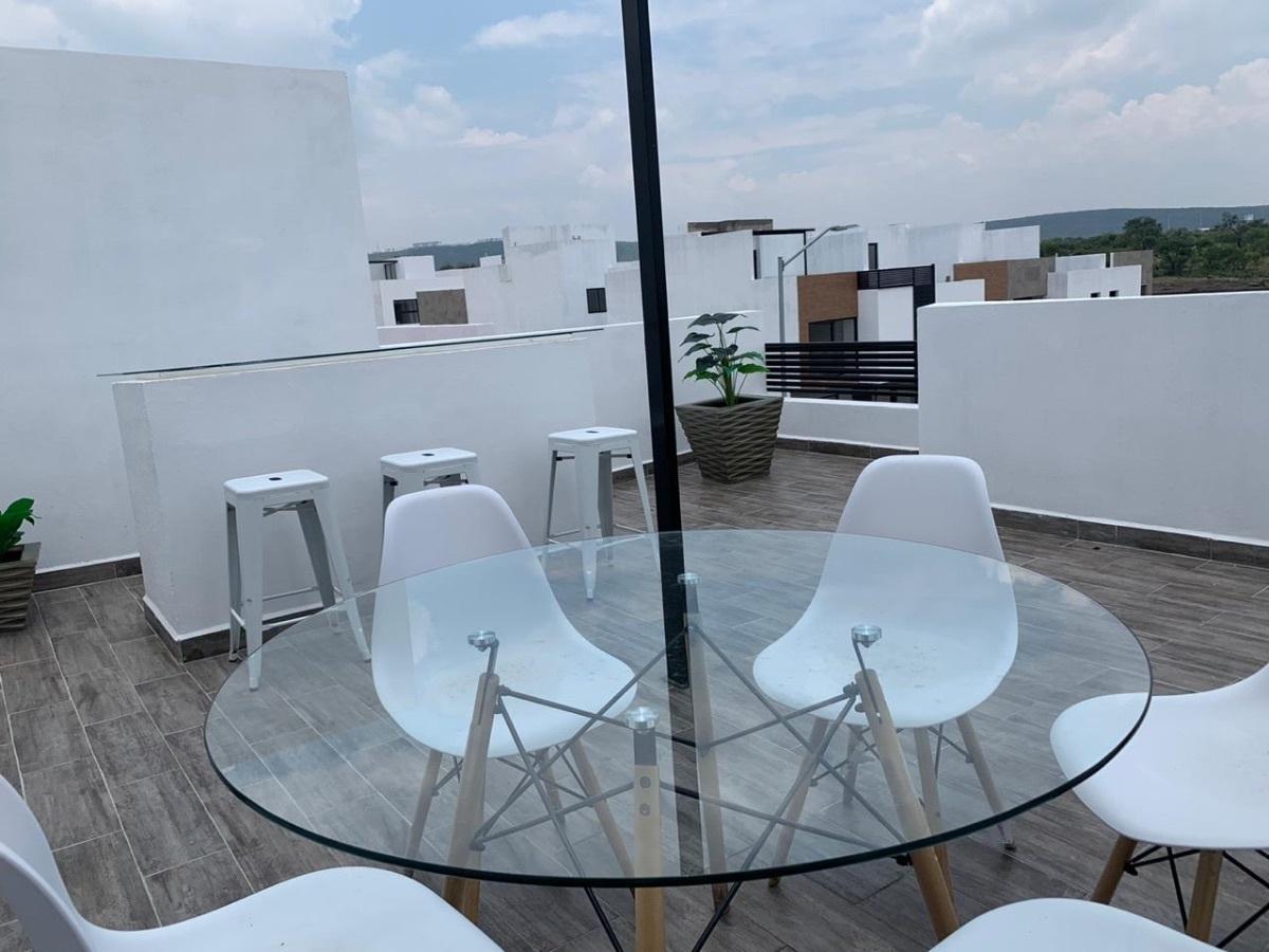 15 de 20: Terraza del Roof Garden con barra para bar