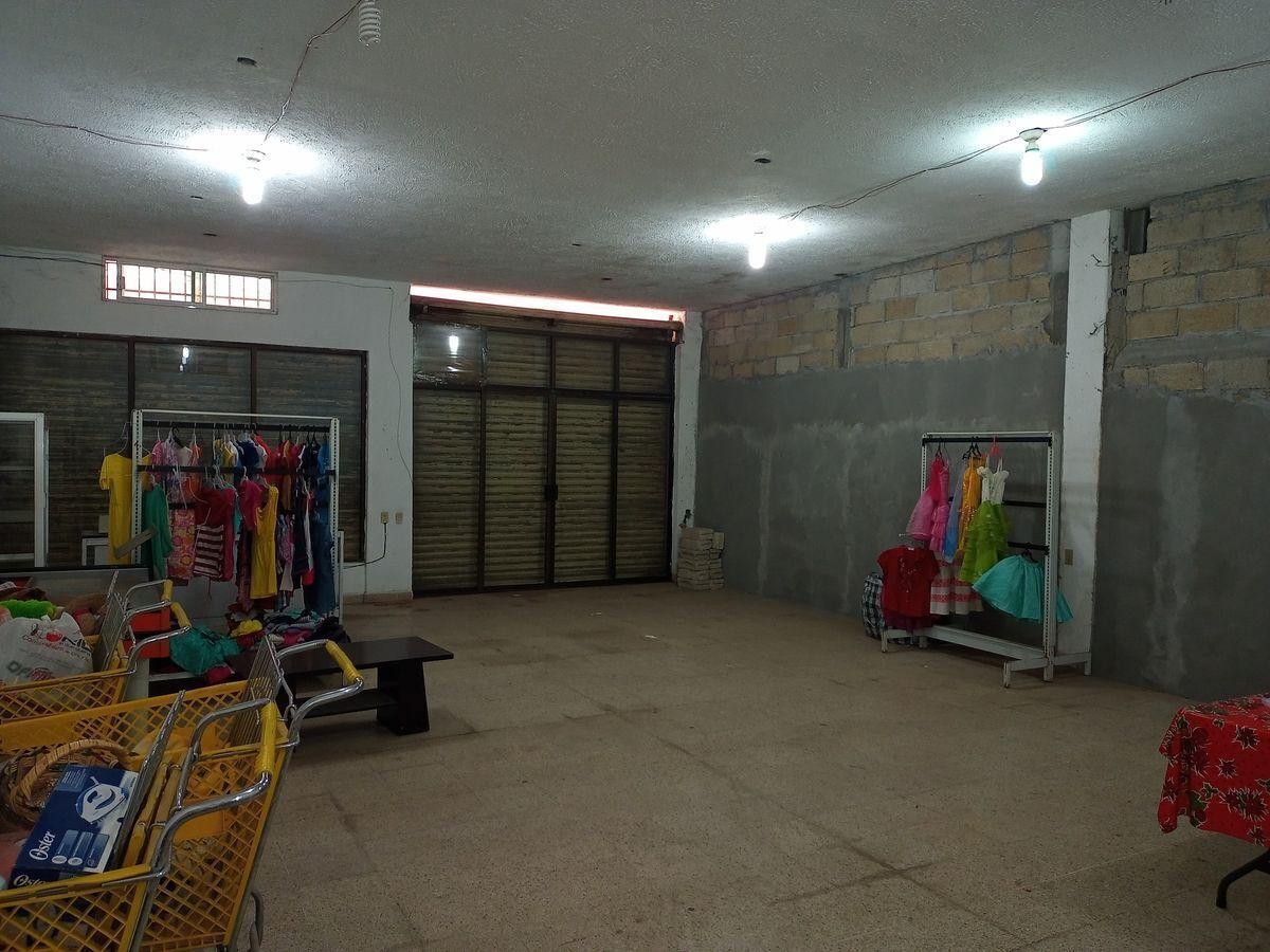 2 de 5: Vista interior de uno de los locales
