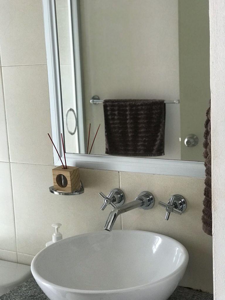 18 de 29: Baño secundario