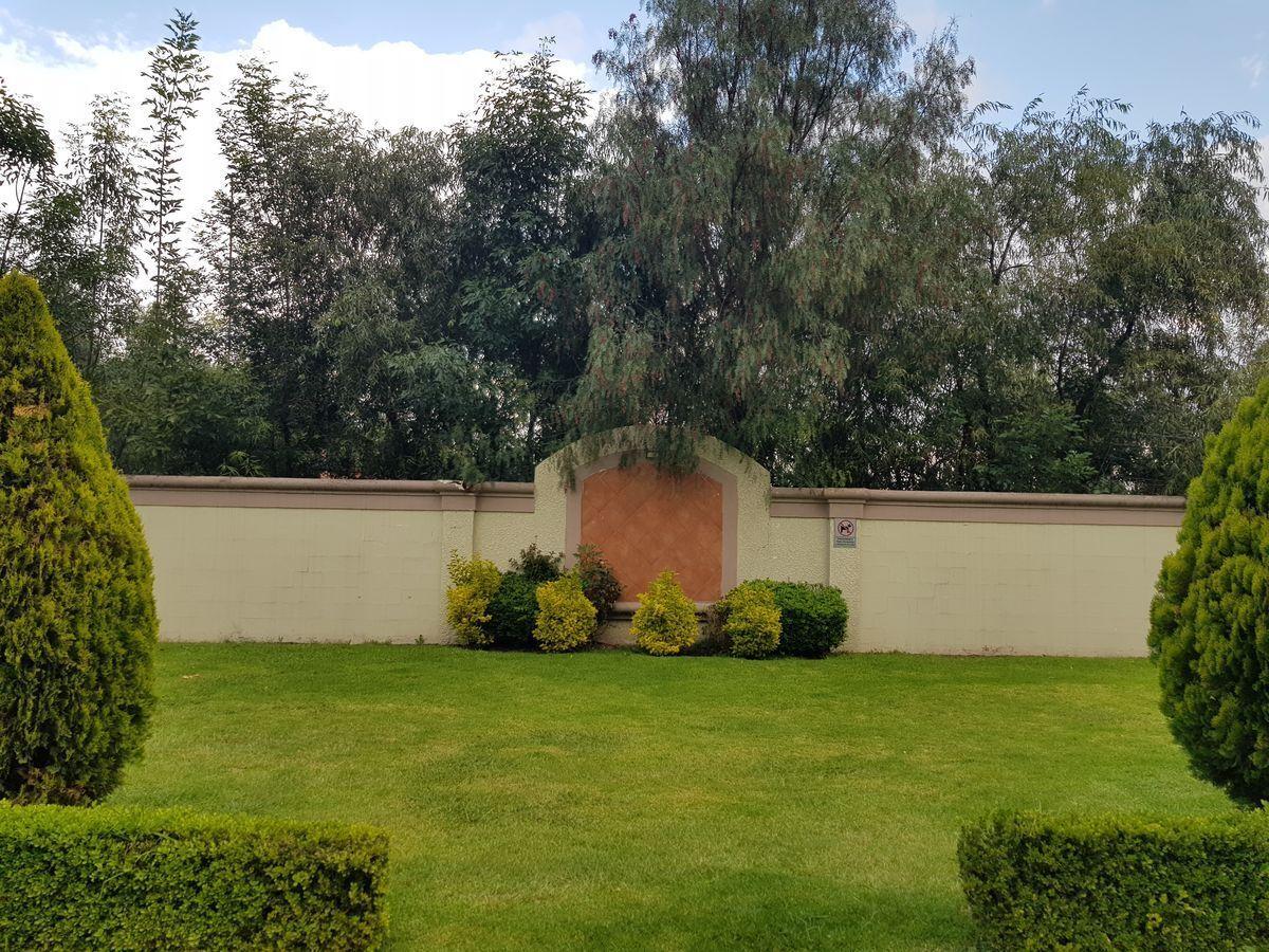 20 de 27: Jardín de la privada