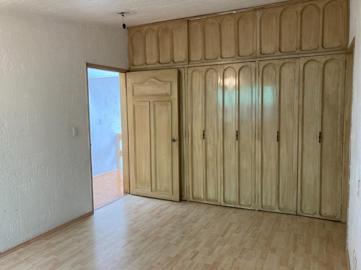 11 de 19: Recámara principal con amplio closet