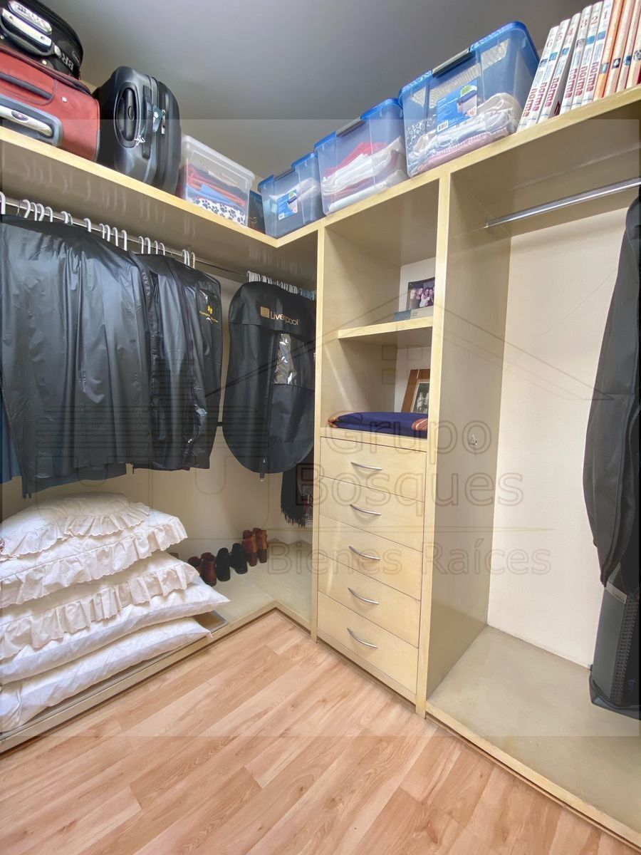 19 de 33: Walking closet recámara 2.