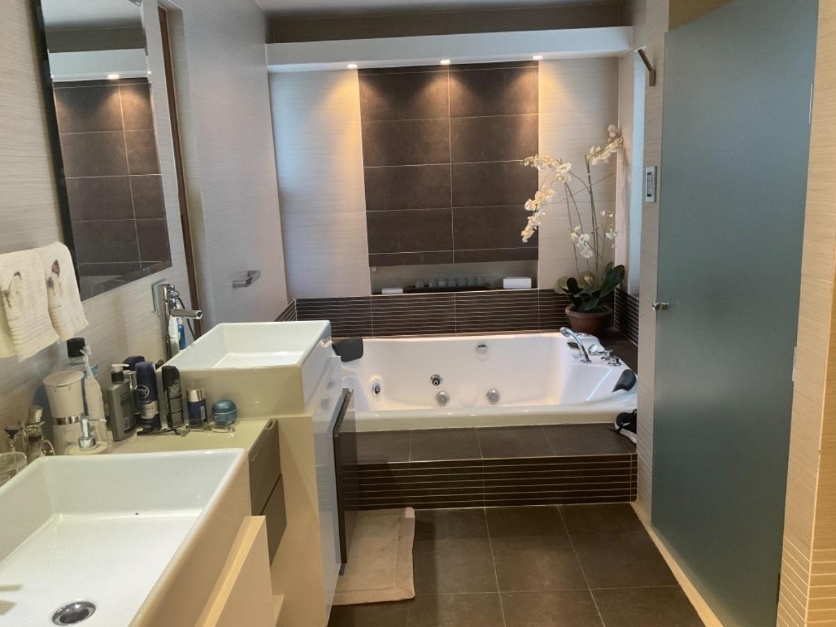23 de 25: Baño dormitorio ppal