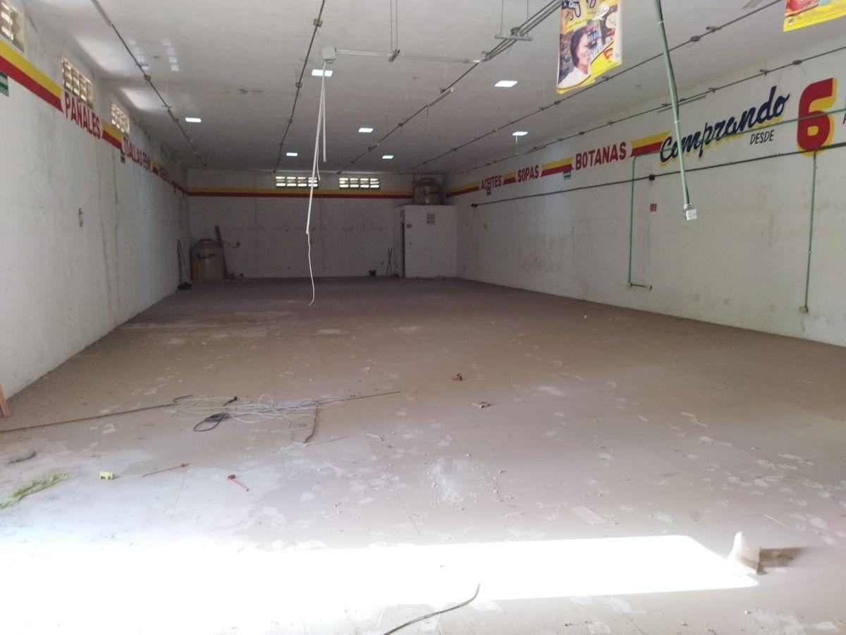 5 de 13: interior con instalaciones