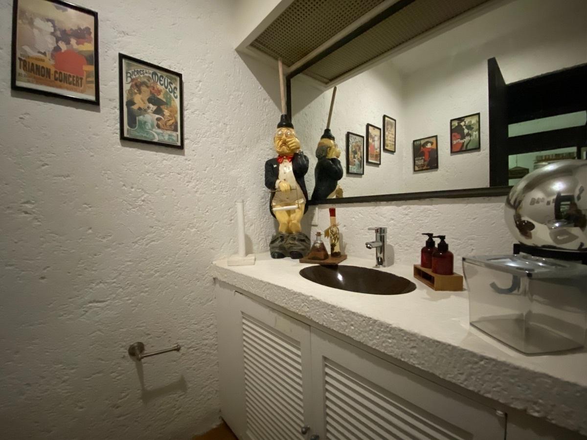 15 de 31: Baño visitas en salón de fiestas