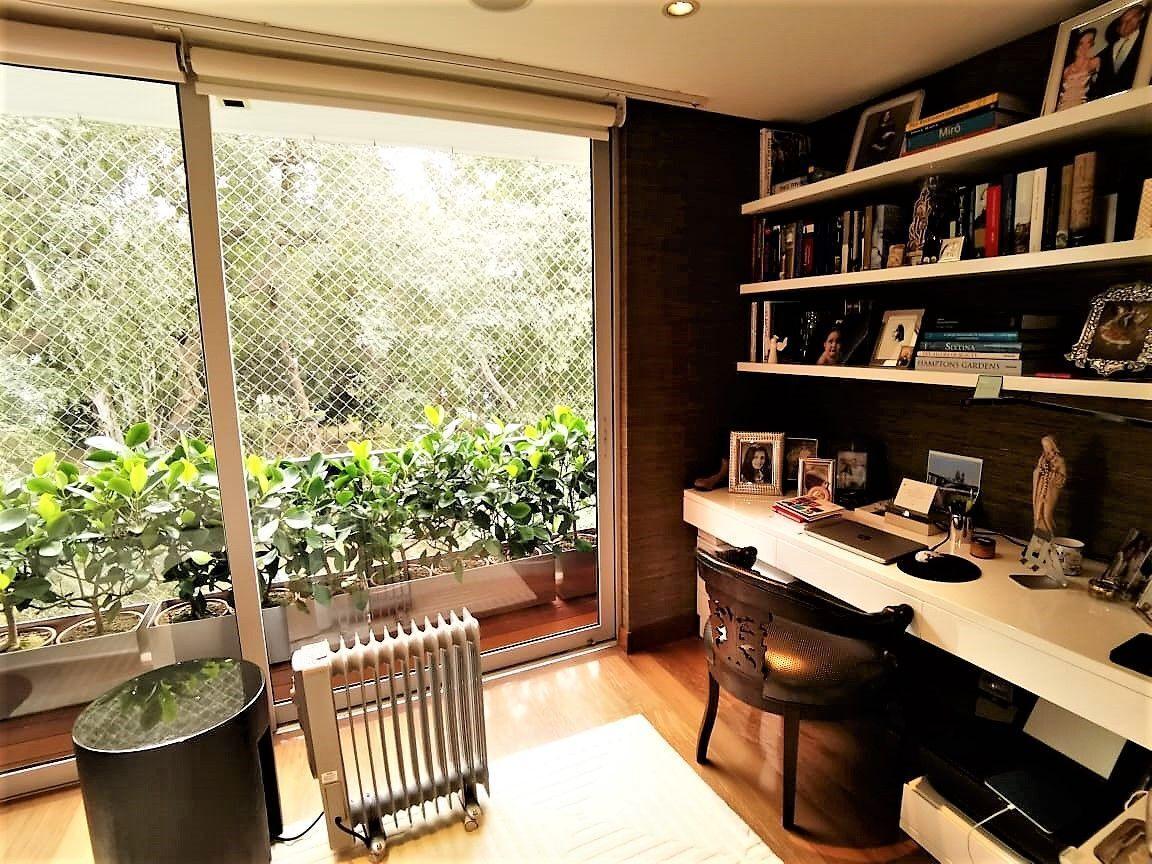 20 de 35: Lindo escritorio con vista Parque en Dormitorio Principal