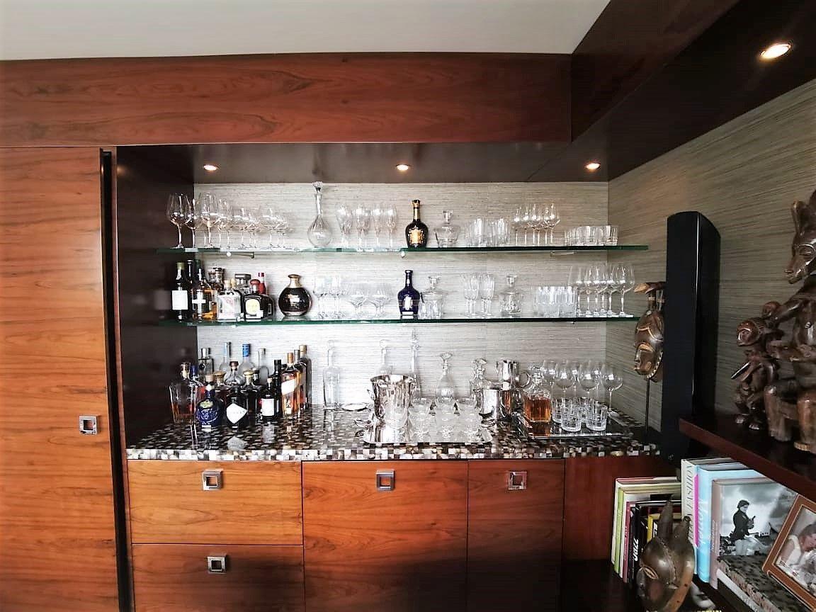 9 de 35: Hermoso bar en la sala de estar,  tiene vista a Jacinto Lara
