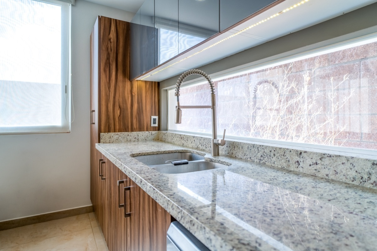 14 de 41: Alacenas y muebles de cocina con iluminación led