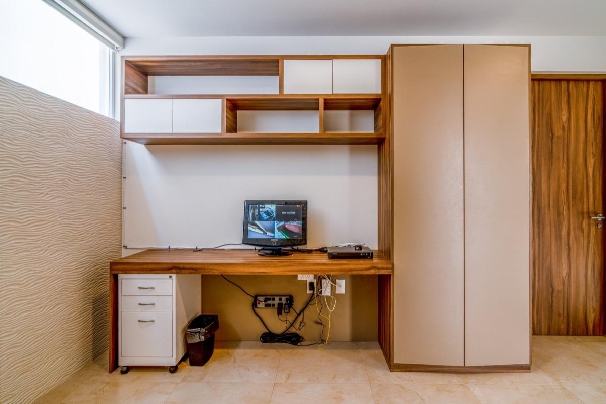 23 de 41: Muebles de carpinterías incluídos
