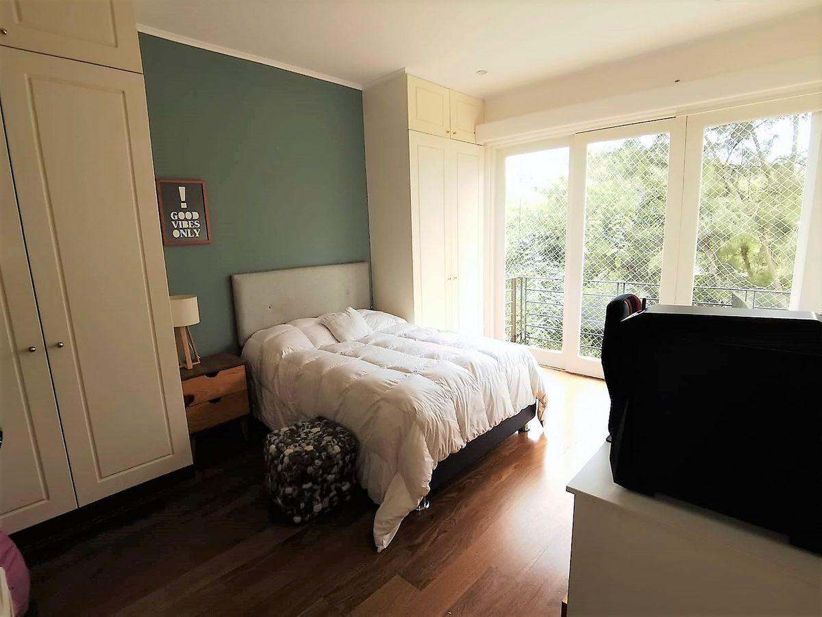 27 de 35: Dormitorio Secundario con closet y baño Vista Parque PISO 4