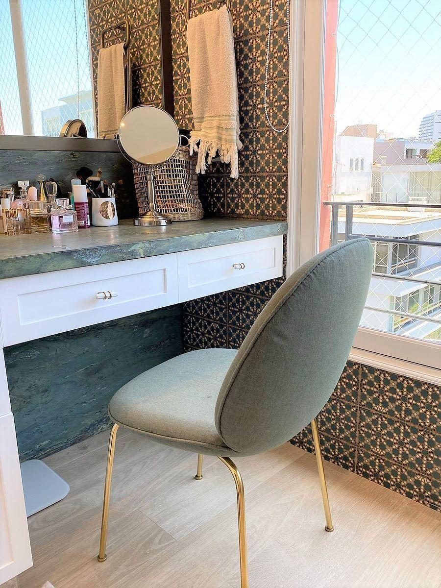 11 de 35: Hermoso Baño Principal con espacio para maquillarse PISO 5