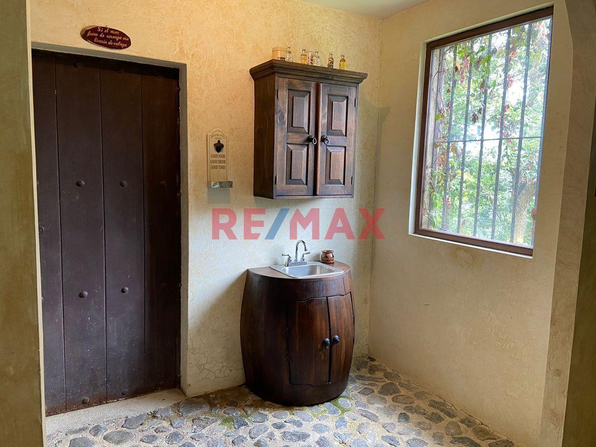 Remax real estate, Guatemala, Mixco, Casa en Venta Km. 21.5 Carr. Interamericana, Altos del Miralvalle