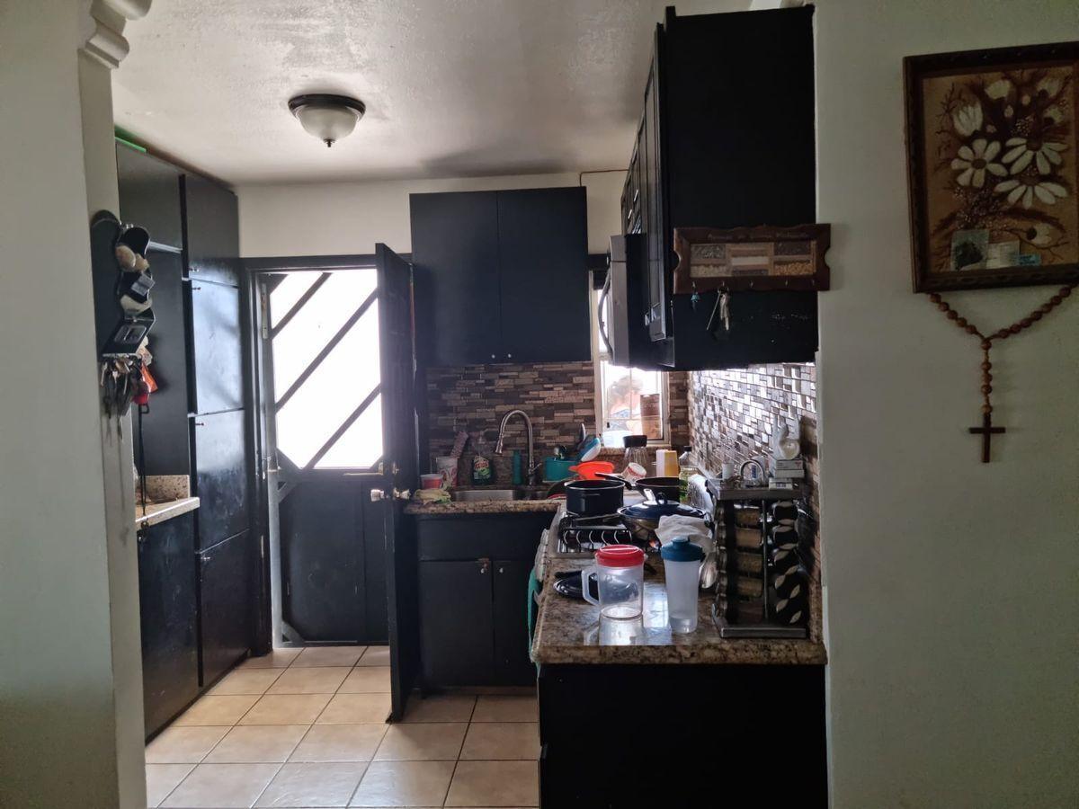 10 de 23: Cocina integral de granito