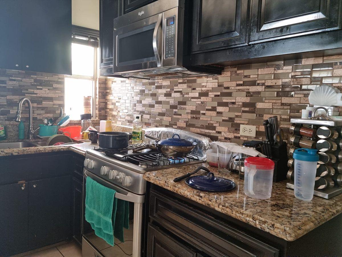 11 de 23: Cocina integral de granito