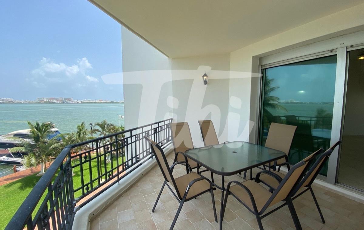 3 de 10: Terraza con Vista Laguna lado Atardecer