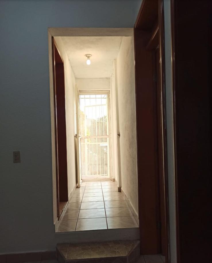 11 de 37: Corredor segundo piso.