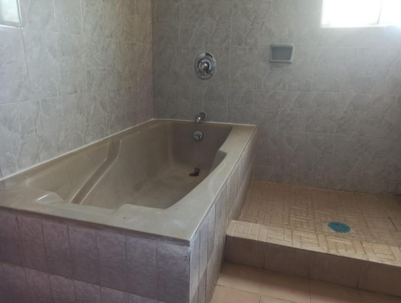 19 de 37: Baño.