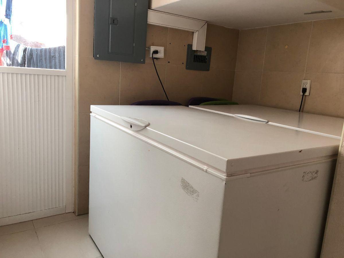 19 de 25: Area para congeladores o enseres domestícos