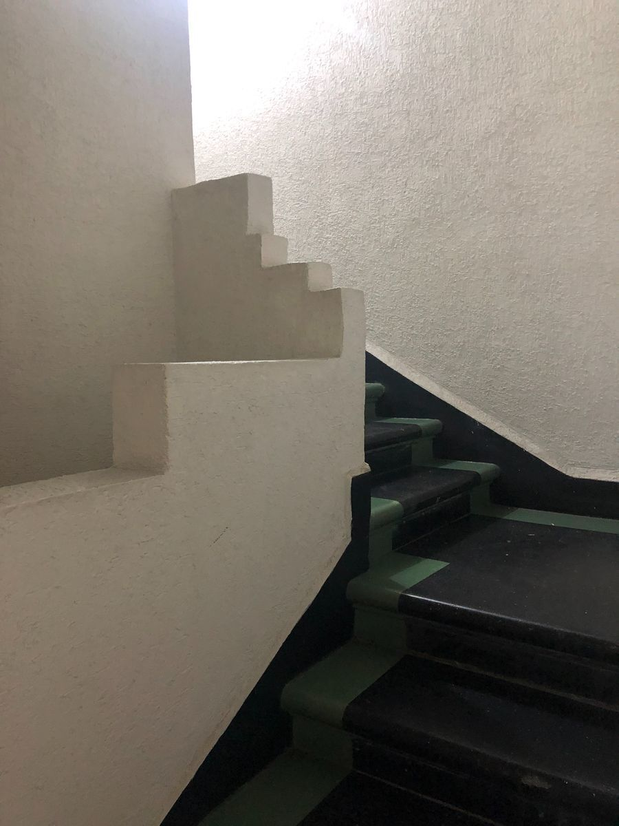 9 de 23: Escalera