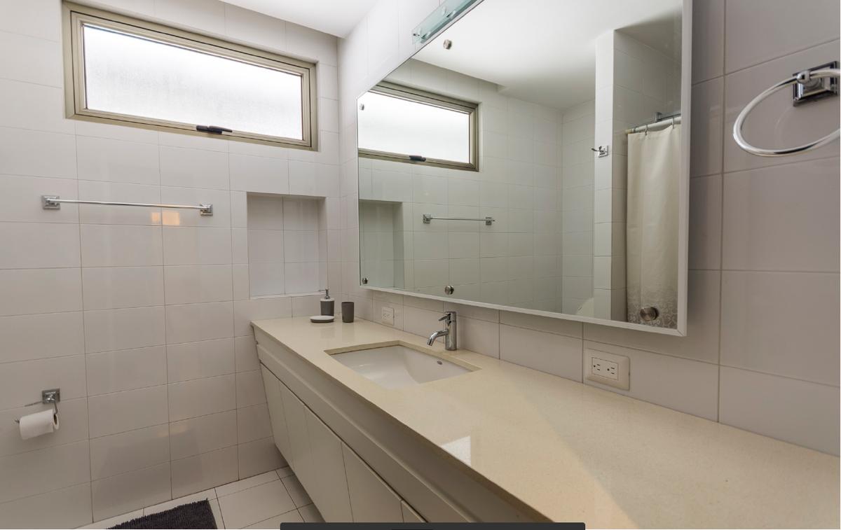 5 de 7: Baño completo  y espejos