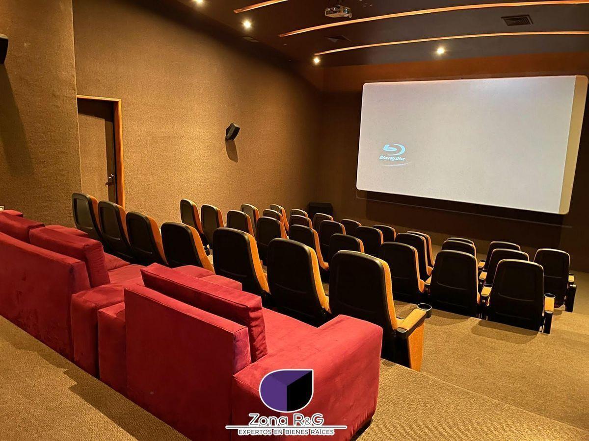 26 de 30: Sala de cine