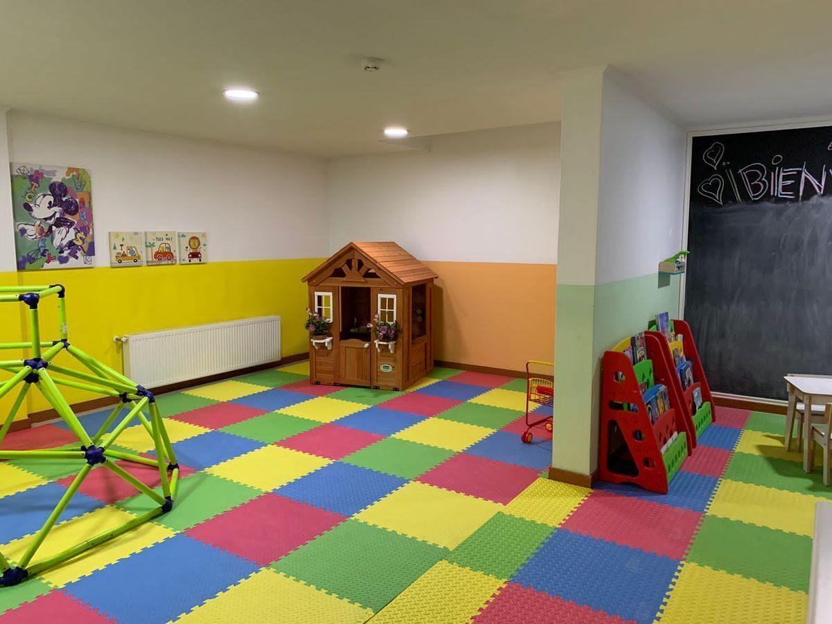 14 de 16: Area juego niños