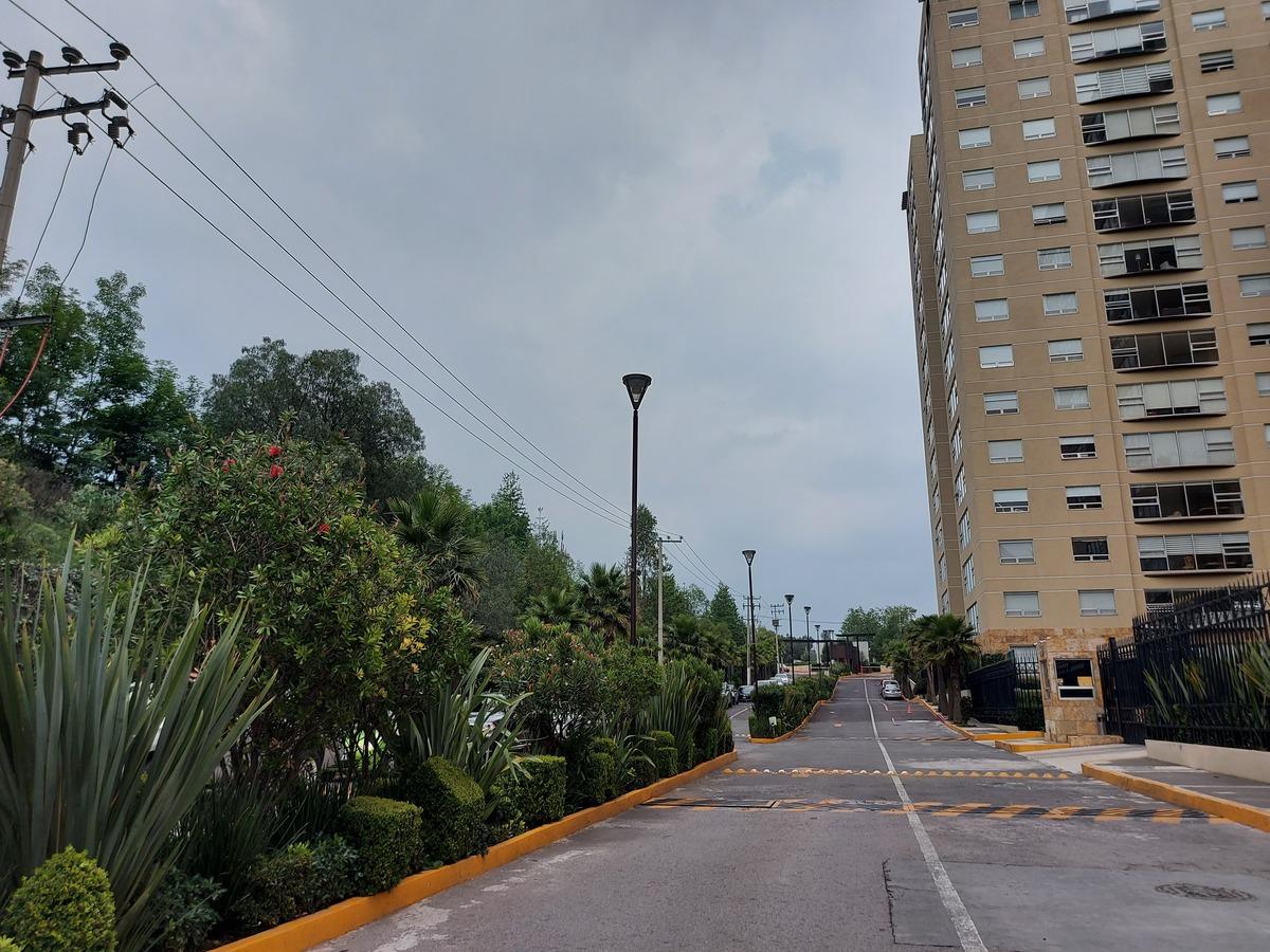 5 de 30: Amplio acceso, estacionamiento de visitas.