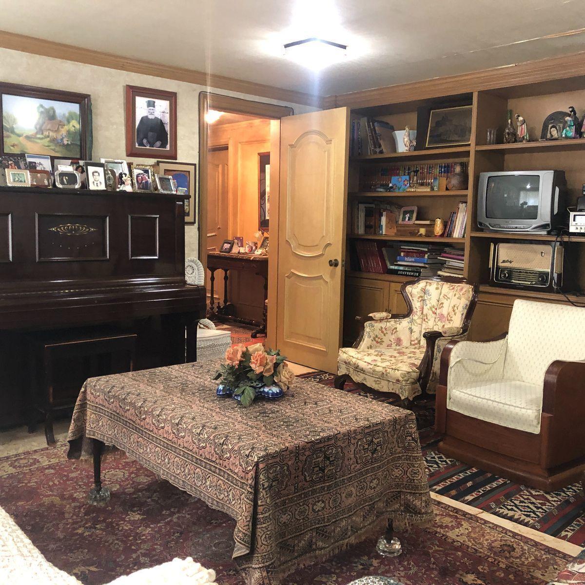 9 de 36: Biblioteca ó family room ó recámara de visitas. (A)