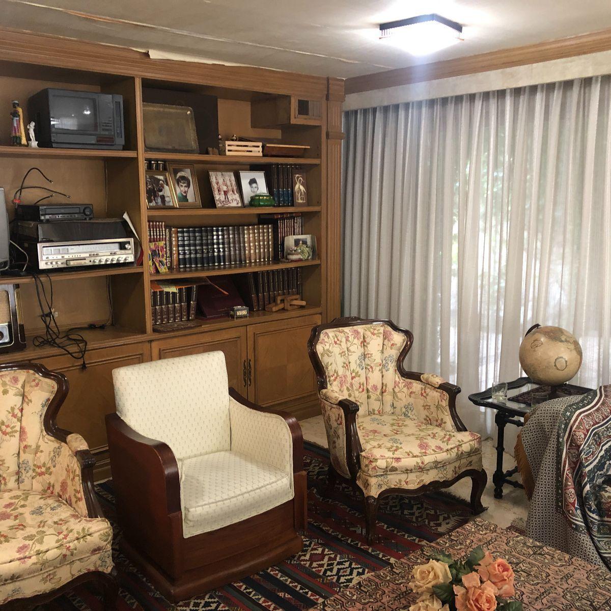 10 de 36: Biblioteca ó family room ó recámara de visitas. (B)