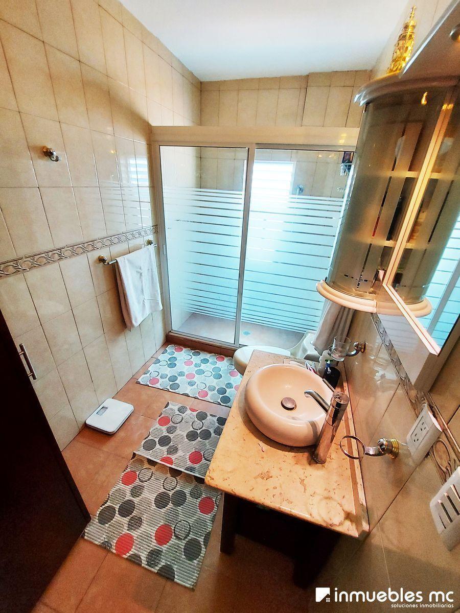 16 de 28: Baño Completo Recámara principal