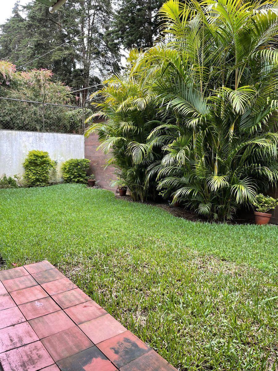 2 de 24: jardín