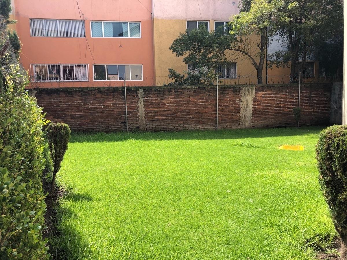 4 de 26: Area Verde