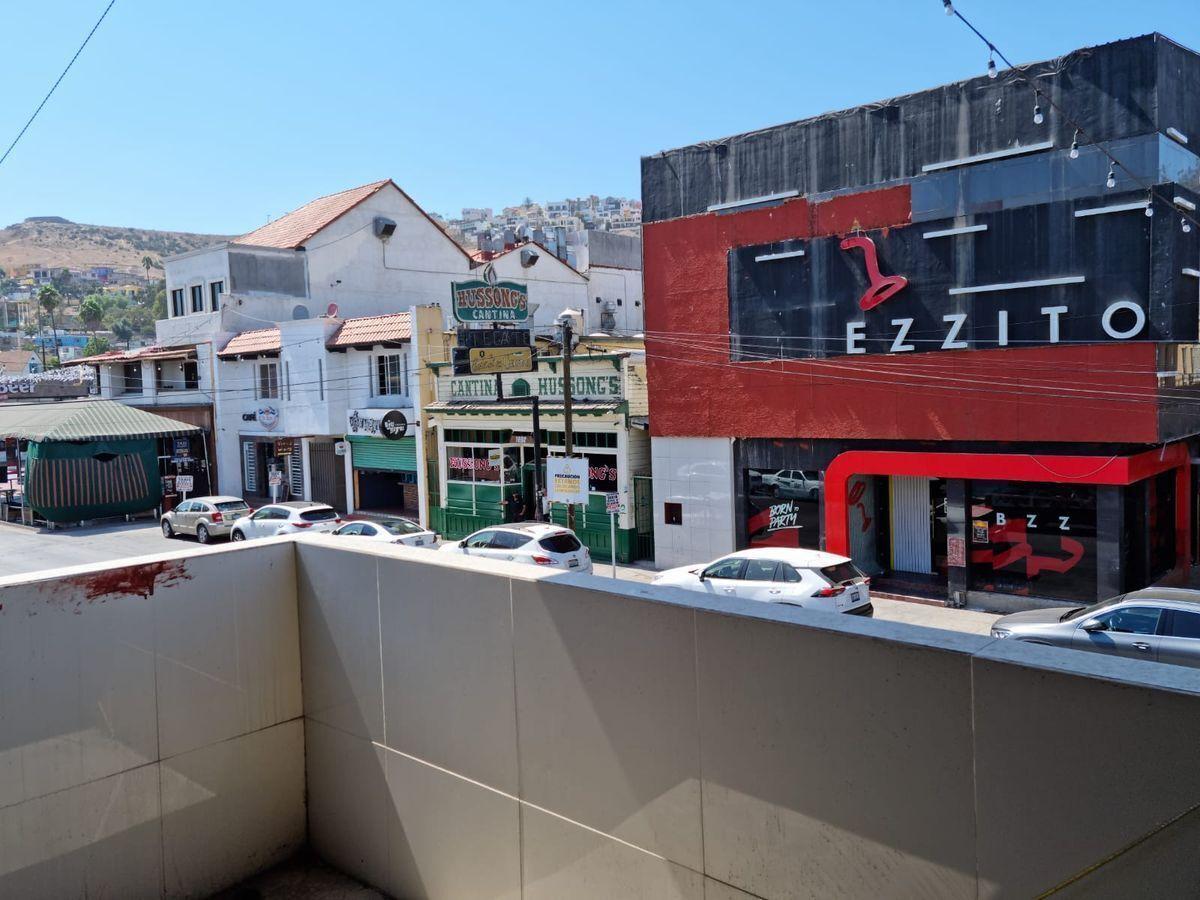 3 de 25: Avenida Ruiz, frente a la cantina Hussong´s