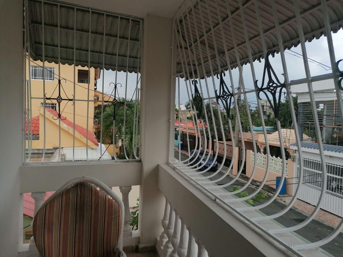 15 de 40: balcón del segundo nivel