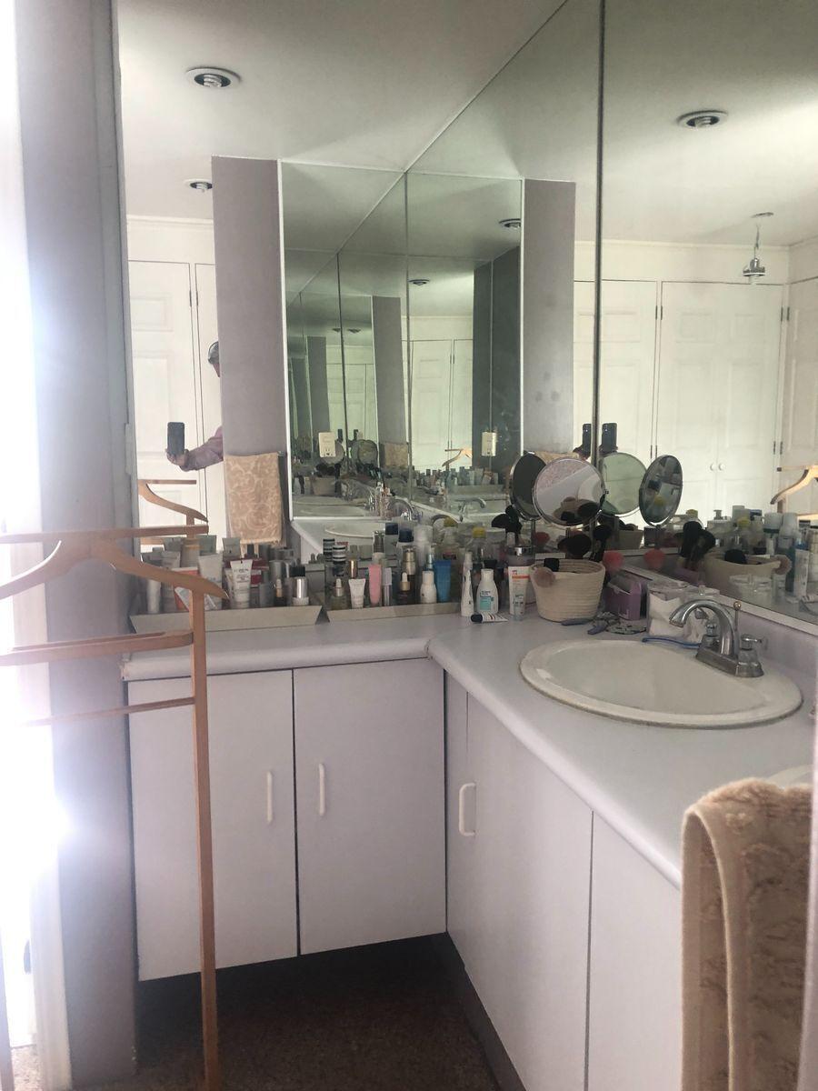 19 de 40: Baño A habitación principal