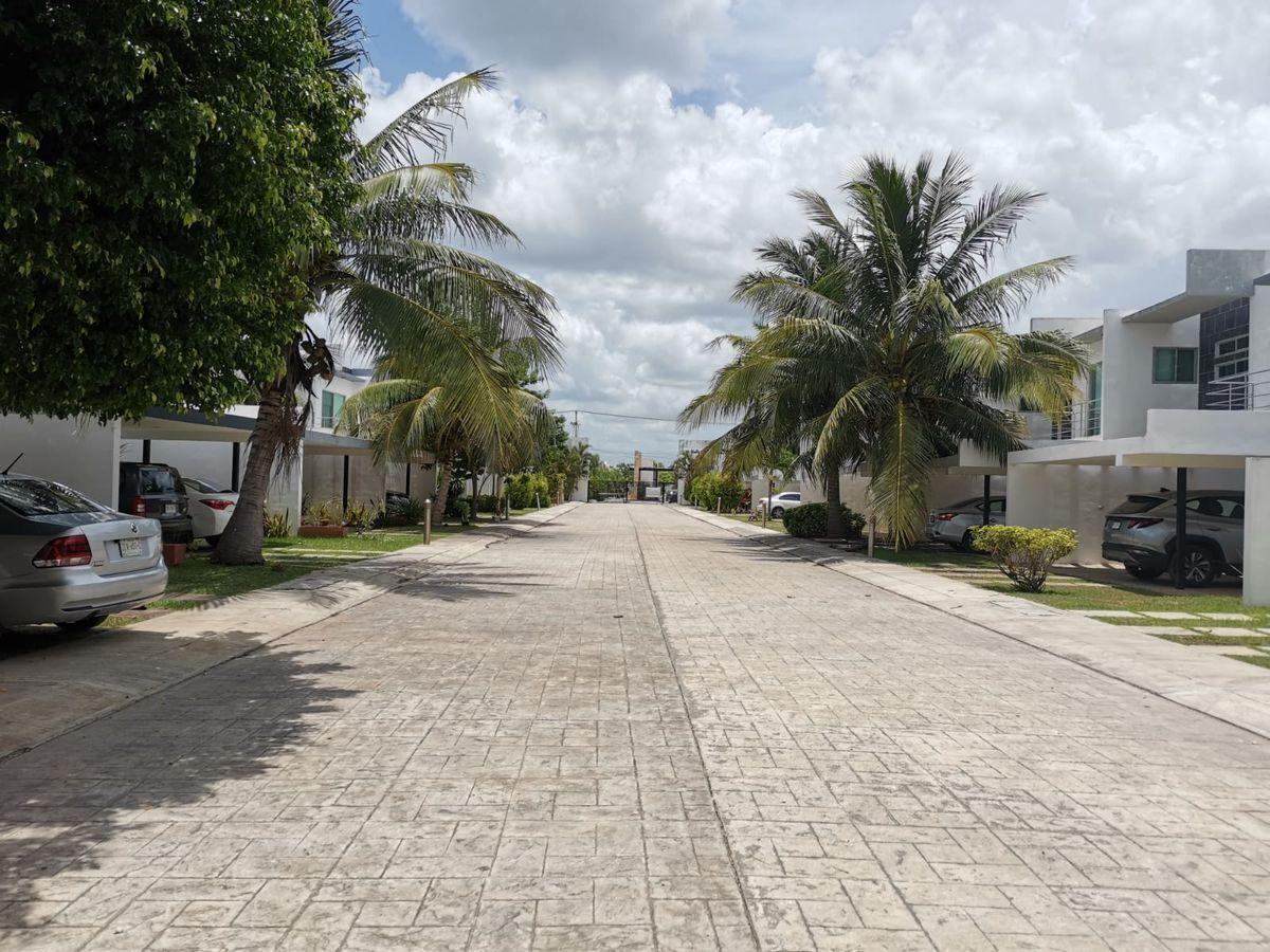 2 de 22: Casa en venta en privada Piedra Antigua Temozón, Mérida Yuca