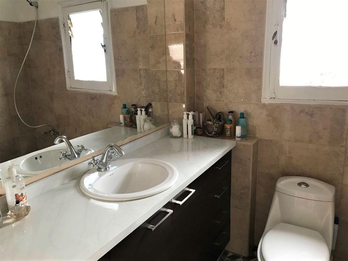 10 de 21: Baño segundo piso