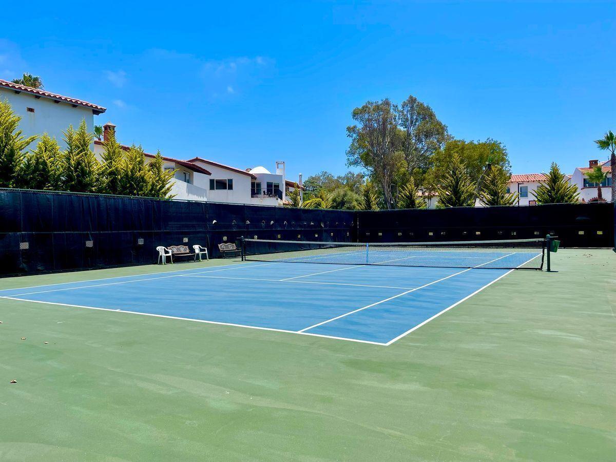 30 de 36: Cancha de tenis