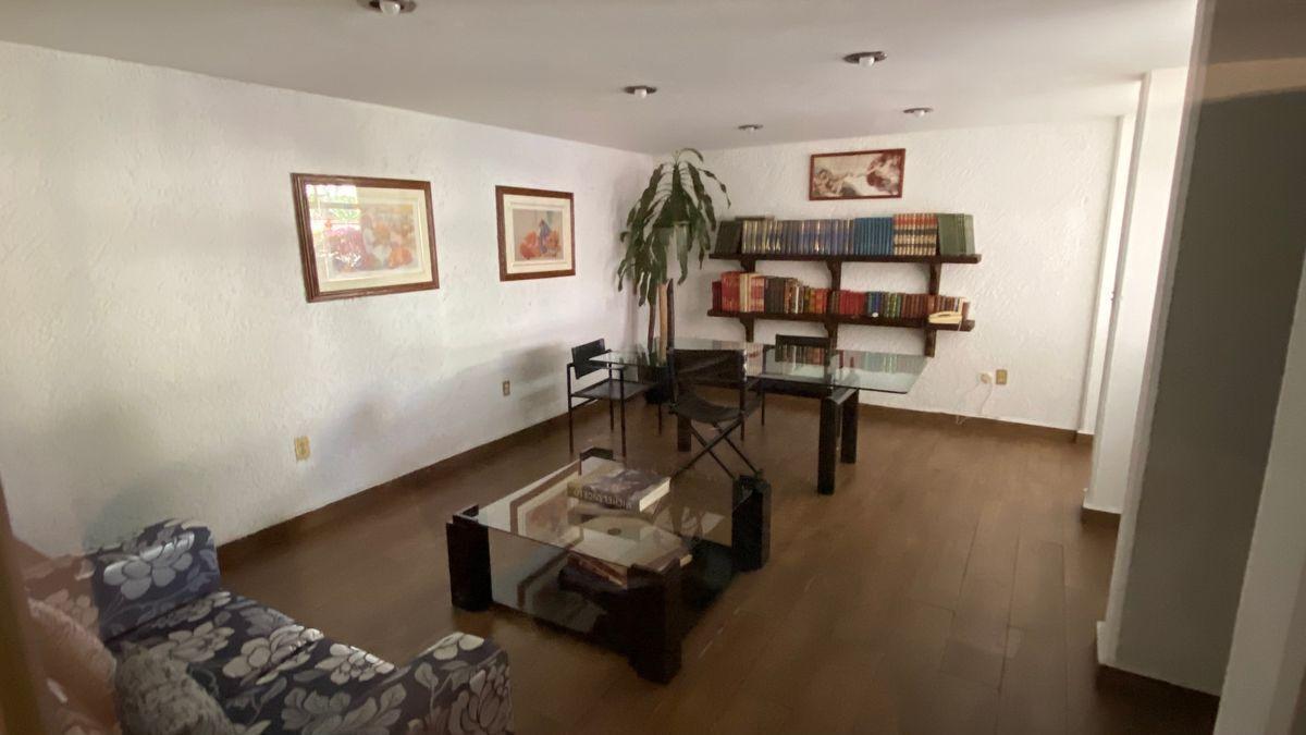 17 de 20: Sala de lectura/Biblioteca