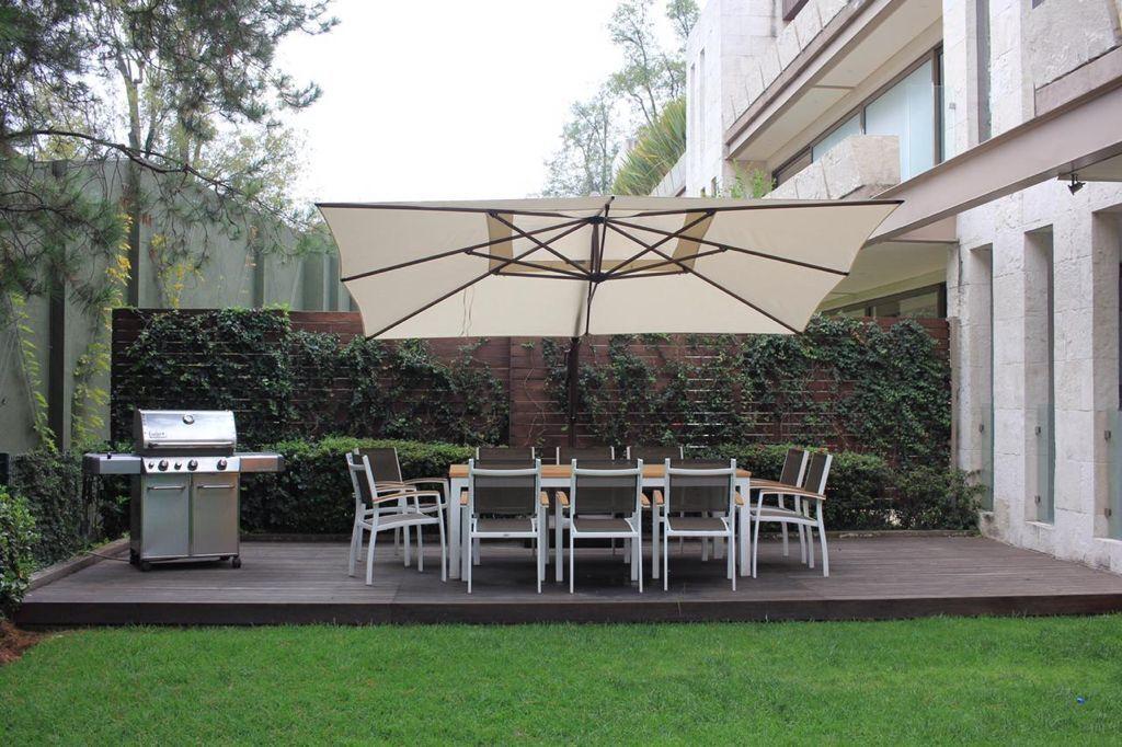1 de 16: Jardín con terraza
