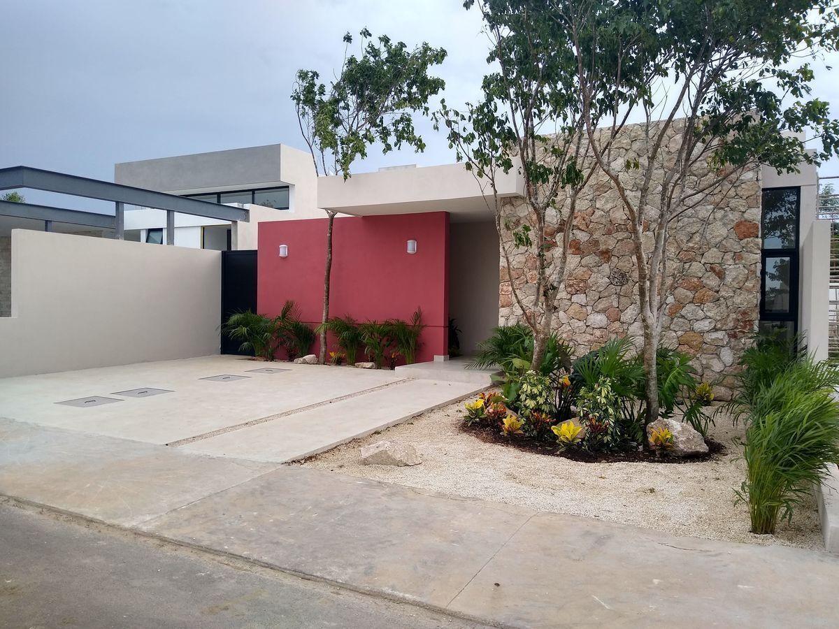 1 de 20: Casa en venta una planta Privada Canaria,Conkal Mérida Yucat
