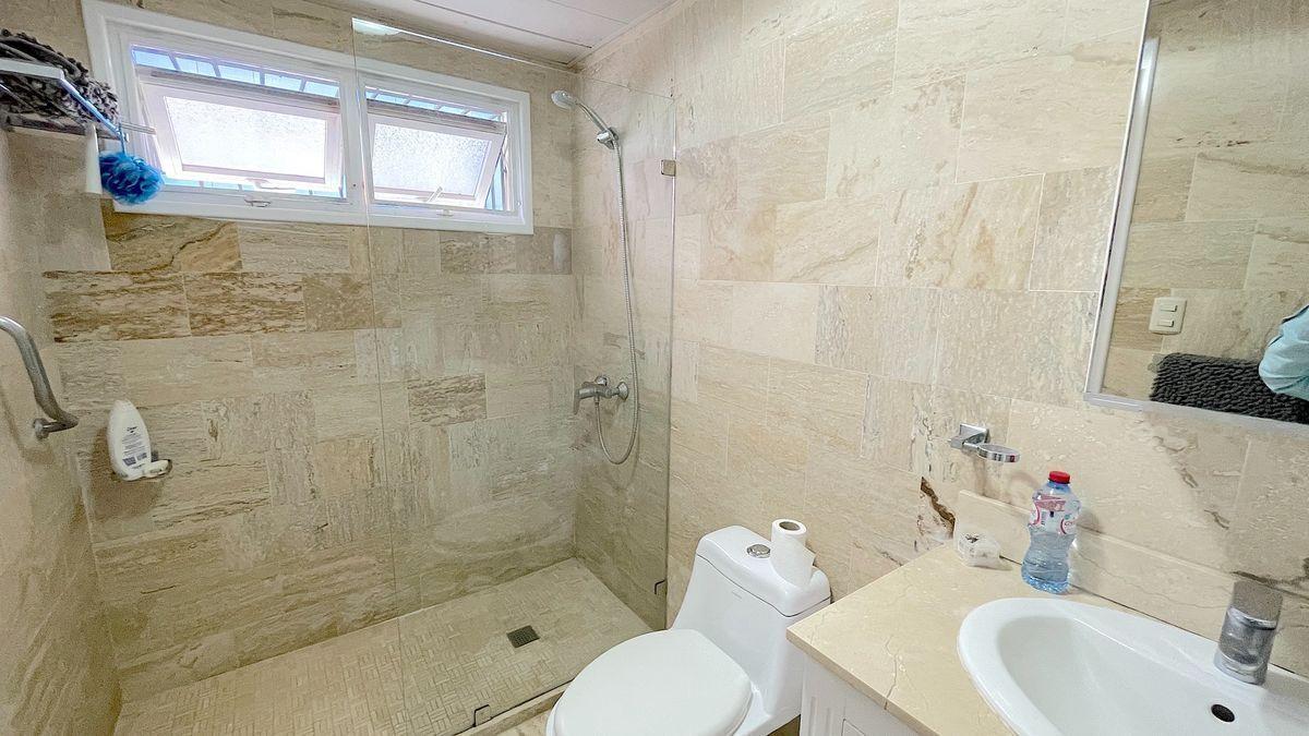 6 de 24: Baños habitación principal remodelado