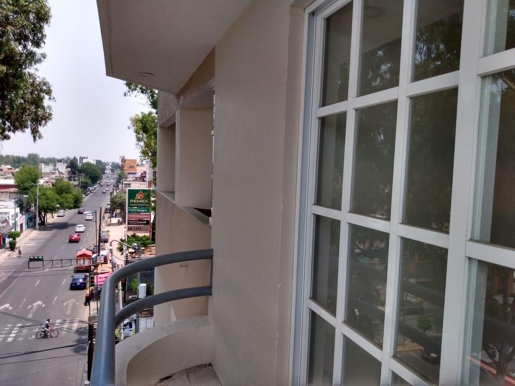 2 de 13: Balcón