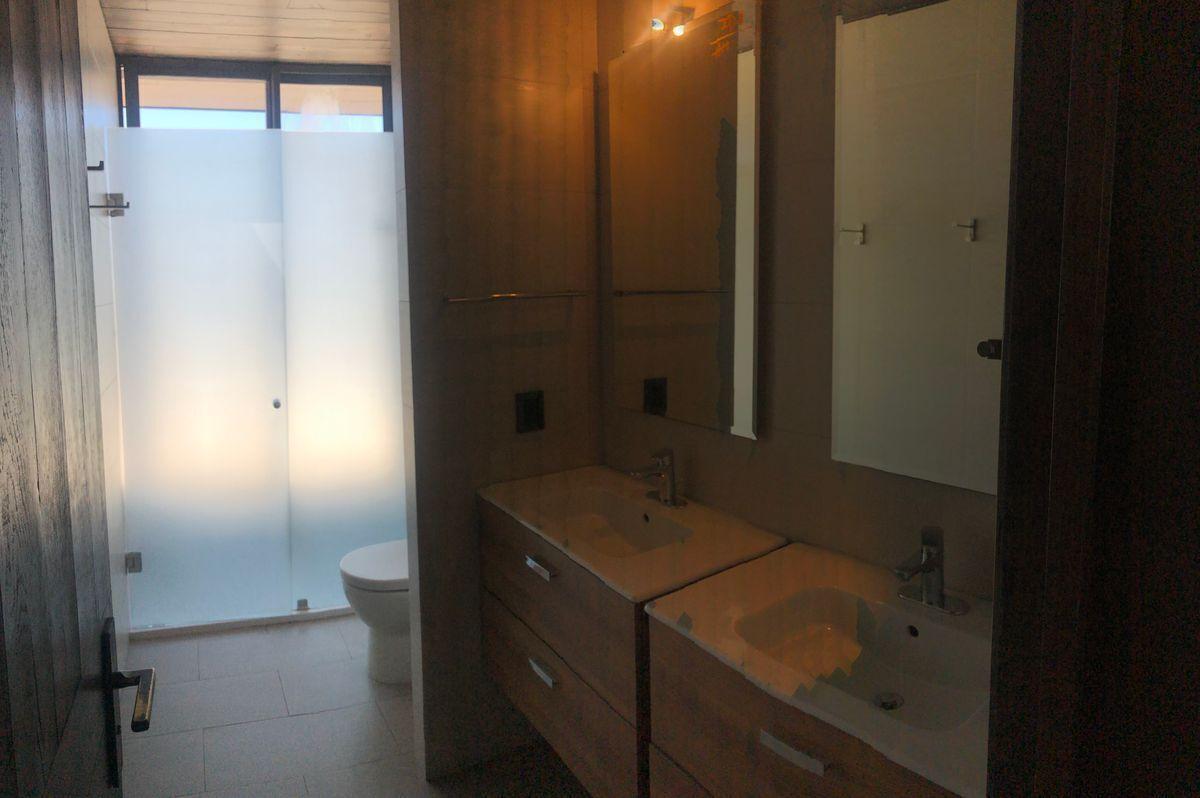17 de 22: Baño segundo piso